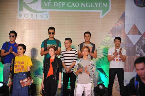 Độc đáo sắc màu cao nguyên trên sàn diễn thời trang Robins - 2