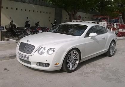 Truy tìm chủ siêu xe Bentley gắn biển số giả - 1