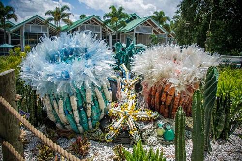 Những sinh vật biển khổng lồ được làm từ rác thải - 4