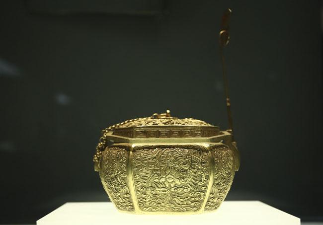 Chiêm ngưỡng linh vật Việt Nam bằng vàng ròng - 4
