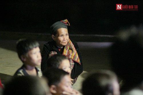 Chuyện lạ ở thung lũng người Thái: 600 người 1 tivi - 2