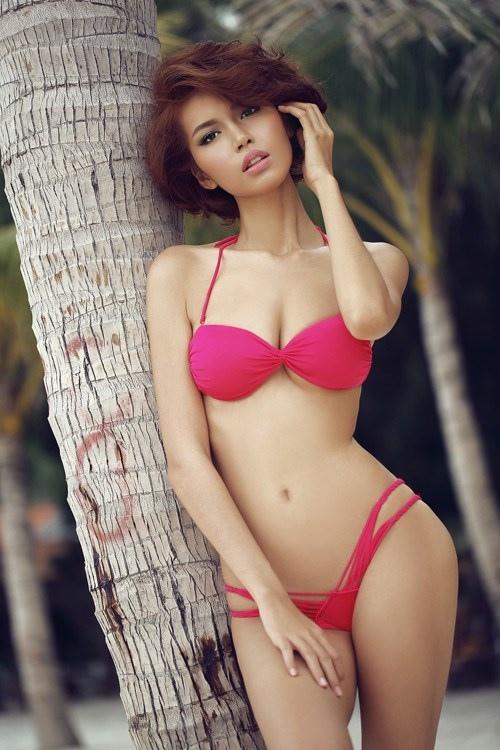 Ngắm cơ bụng săn chắc đáng ngưỡng mộ của mỹ nhân Việt - 6