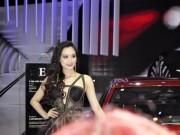 Ảnh người đẹp và xe - Mẫu nữ xinh đẹp hội tụ tại Motor Show 2015
