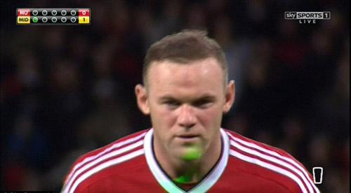 """Rooney bị """"ám hại ngầm"""" trước khi sút 11m - 2"""