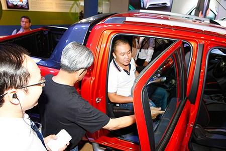 """Người giàu Việt rủ nhau mua xe sang """"né"""" thuế - 1"""
