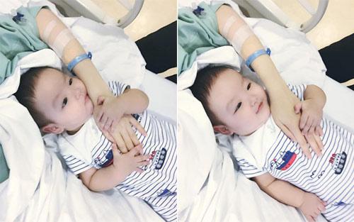 Con trai Tâm Tít tình cảm bên mẹ trong bệnh viện - 1