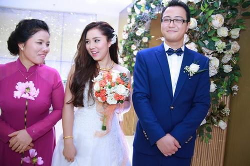Bảo Trâm Vietnam Idol hạnh phúc trong ngày cưới - 1