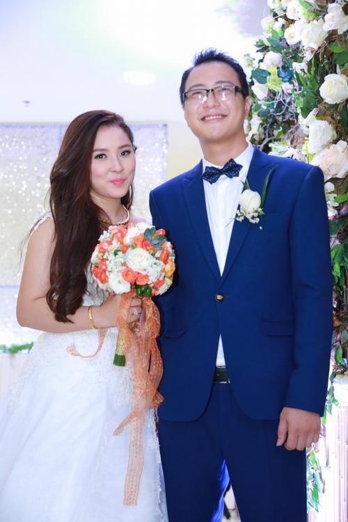 Bảo Trâm Vietnam Idol hạnh phúc trong ngày cưới - 2