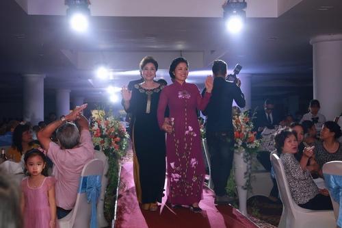 Bảo Trâm Vietnam Idol hạnh phúc trong ngày cưới - 6
