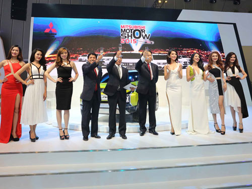Tinh thần thi đấu Ralliart của Mitsubishi Motors tại triển lãm oto Việt Nam 2015 - 5