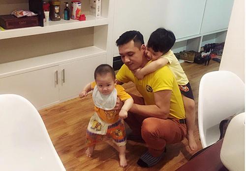 """Những ông chồng """"vừa đẹp vừa đảm"""" của mỹ nhân Việt - 10"""