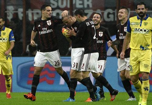 """Milan - Chievo: """"Bắn phá"""" dữ dội - 3"""