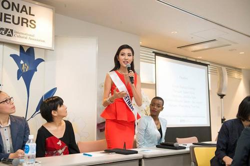 """Đại diện Việt khoe dáng với bikini tại """"Hoa hậu Quốc tế"""" - 5"""