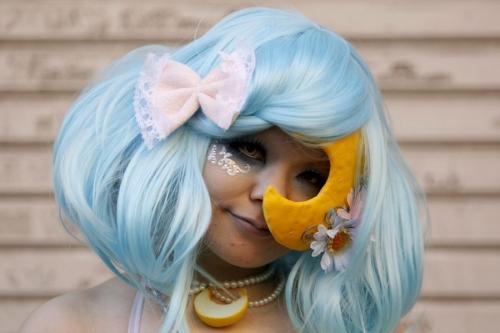 Giới trẻ Nhật Bản hóa trang kỳ dị dọa người đi đường - 4