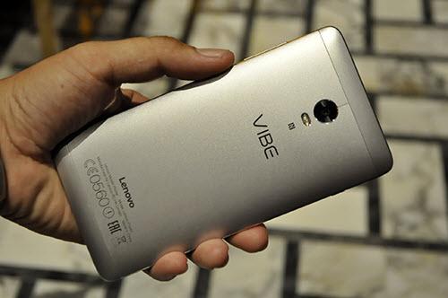 Lenovo tung smartphone VIBE P1 có cảm biến vân tay ở nút Home - 7