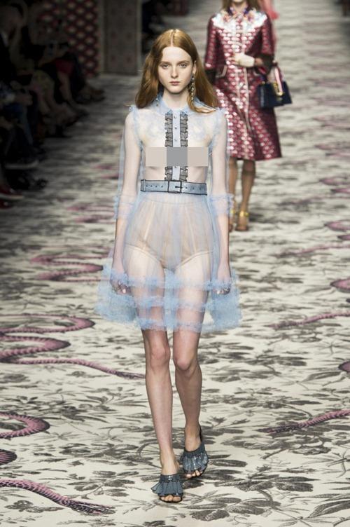 11 bộ váy mỏng manh khiến bạn không thể rời mắt - 2