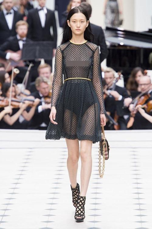 11 bộ váy mỏng manh khiến bạn không thể rời mắt - 4