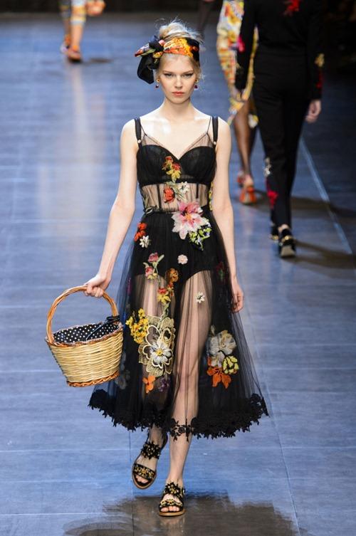 11 bộ váy mỏng manh khiến bạn không thể rời mắt - 9