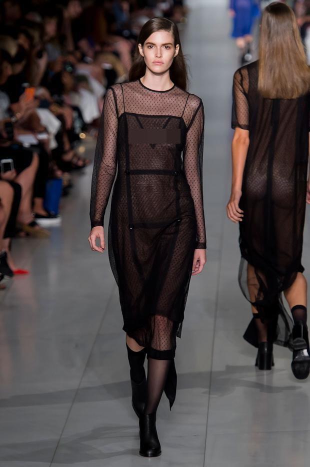 11 bộ váy mỏng manh khiến bạn không thể rời mắt - 10