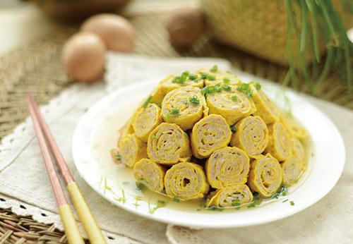 Trứng cuộn thịt đơn giản cho bữa cơm tối - 1