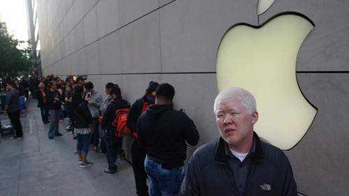 iPhone thu về hơn 11 tỷ đô la cho Apple trong năm 2015 - 1