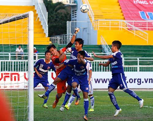 Giải U21 Clear Men Cup: An Giang vỡ oà vào chung kết - 2