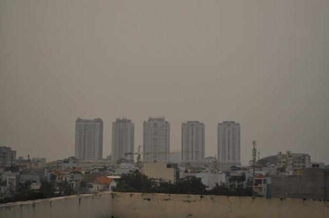 Ảnh: Cháy rừng tồi tệ ở Indonesia gây loang khói bụi mù mịt - 8