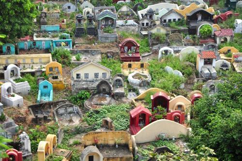 Ảnh: Những nghĩa địa lọt thỏm giữa phố phường Hà Nội - 11