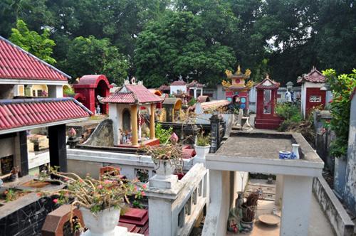 Ảnh: Những nghĩa địa lọt thỏm giữa phố phường Hà Nội - 13