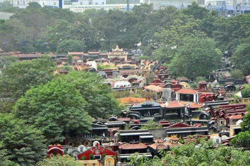 Ảnh: Những nghĩa địa lọt thỏm giữa phố phường Hà Nội - 3