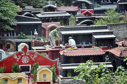 Ảnh: Những nghĩa địa lọt thỏm giữa phố phường Hà Nội - 4