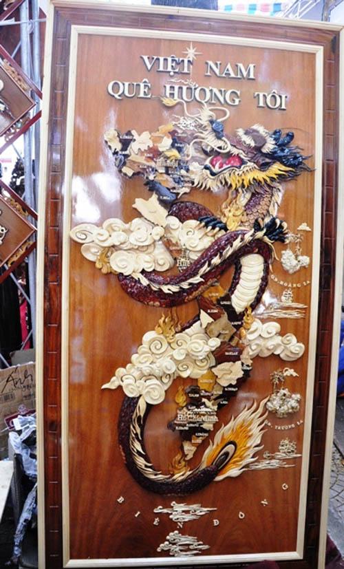 Ngắm bản đồ Việt Nam được trang trí bằng 70 loại gỗ - 1