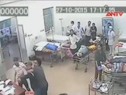Video An ninh - Phút hoảng loạn của bác sĩ, bệnh nhân bị côn đồ truy sát