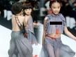 Mẫu nhí Trung Quốc mặc xuyên thấu đi catwalk