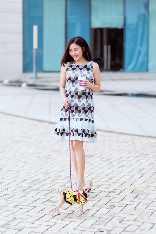 Văn Mai Hương ghi điểm với gu mặc xuống phố lạ mắt - 4