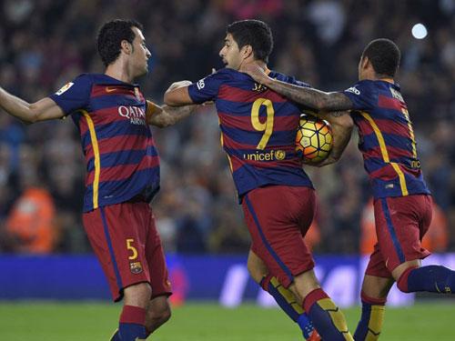 Liga trước vòng 10: Real, Barca thiết lập trật tự - 2