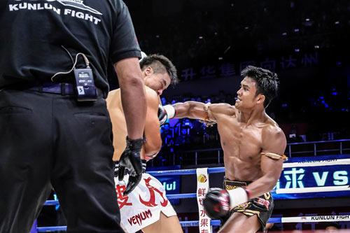"""Muay Thái: """"Đứa con của quỷ"""" hạ võ sĩ Trung Quốc - 3"""