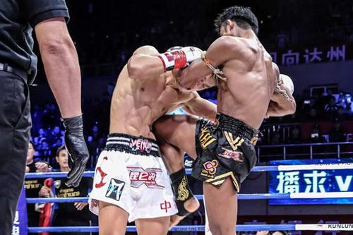 """Muay Thái: """"Đứa con của quỷ"""" hạ võ sĩ Trung Quốc - 5"""