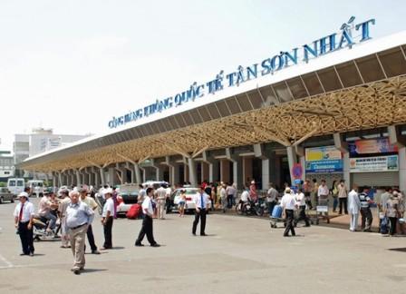 """Công suất sân bay Tân Sơn Nhất sẽ """"đóng băng"""" vào năm 2018? - 1"""