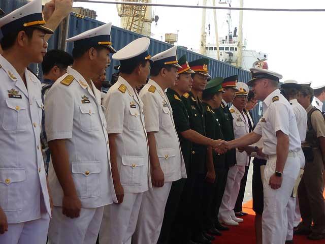 Tàu Hải quân Australia đã đến Đà Nẵng - 2