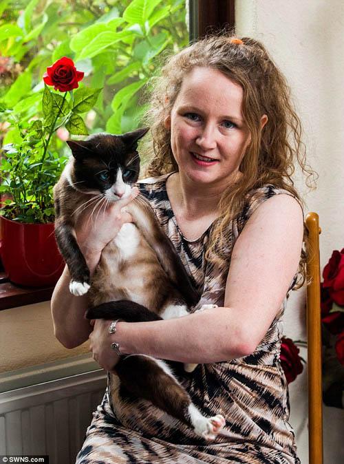 Người phụ nữ thà bỏ chồng chứ không bỏ mèo - 2