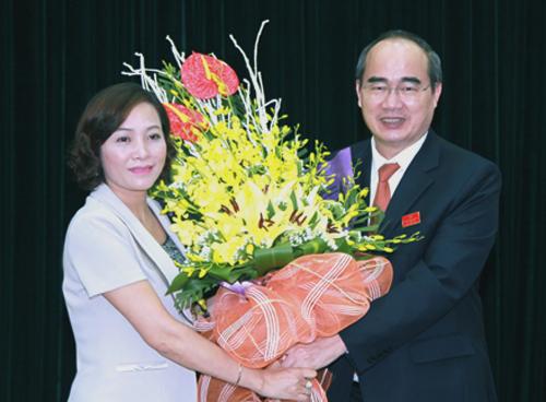 Cả nước có 3 Bí thư tỉnh ủy là nữ từ 45-49 tuổi - 2
