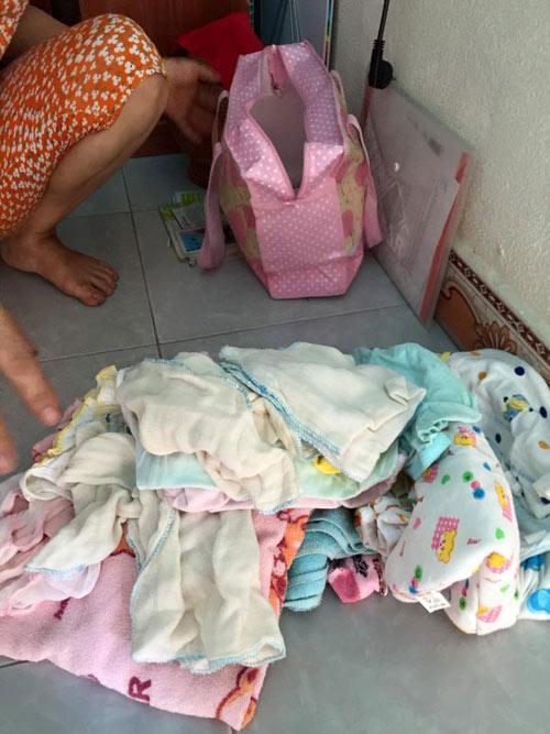Xót xa bé gái 3 tháng tuổi bị mẹ bỏ rơi ở quán nước - 4