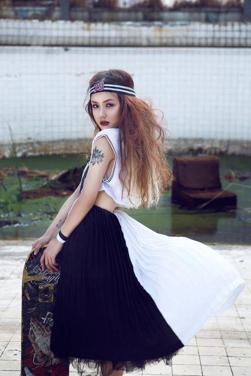 """Em gái ca sĩ Phương Linh hóa """"nữ hoàng nổi loạn"""" - 1"""