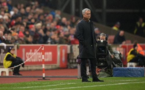 "Tin HOT tối 30/10: Monaco xin Chelsea ""giải thoát"" Mourinho - 1"