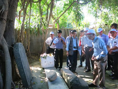 Tranh cãi gay gắt về lăng mộ vua Quang Trung - 1