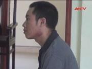 Video An ninh - Mơ bị hổ vồ chồng bật dậy cầm dao chém chết vợ