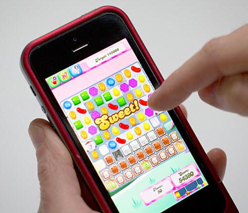 Mark Zuckerberg hứa ngăn lời mời chơi game Candy Crush - 2