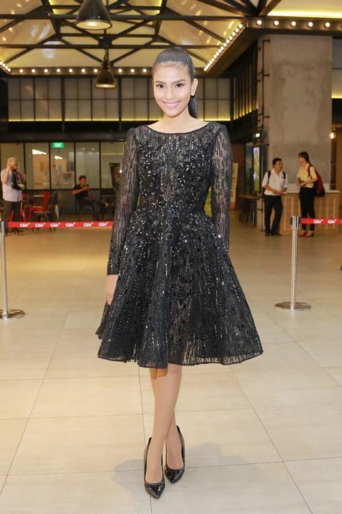Trương Thị May diện đầm đen vẫn trẻ trung, nổi bật - 1