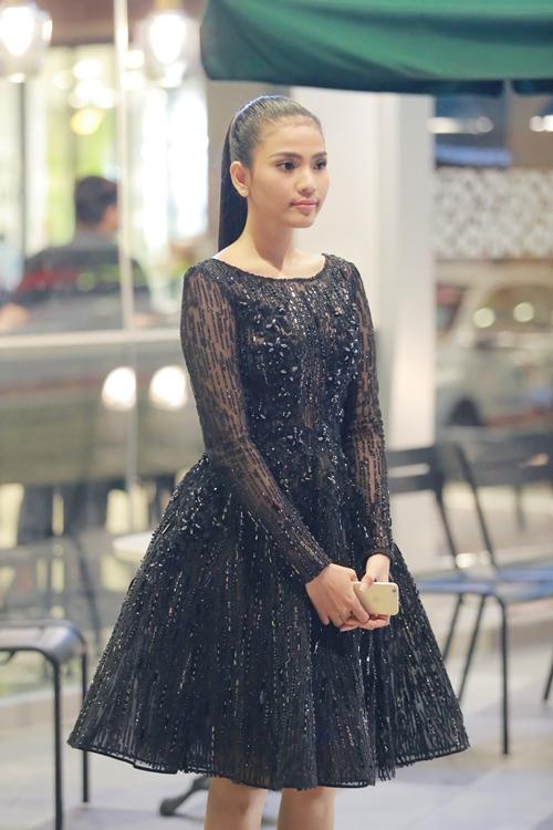 Trương Thị May diện đầm đen vẫn trẻ trung, nổi bật - 3